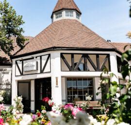 Vinland Hotel & Lounge